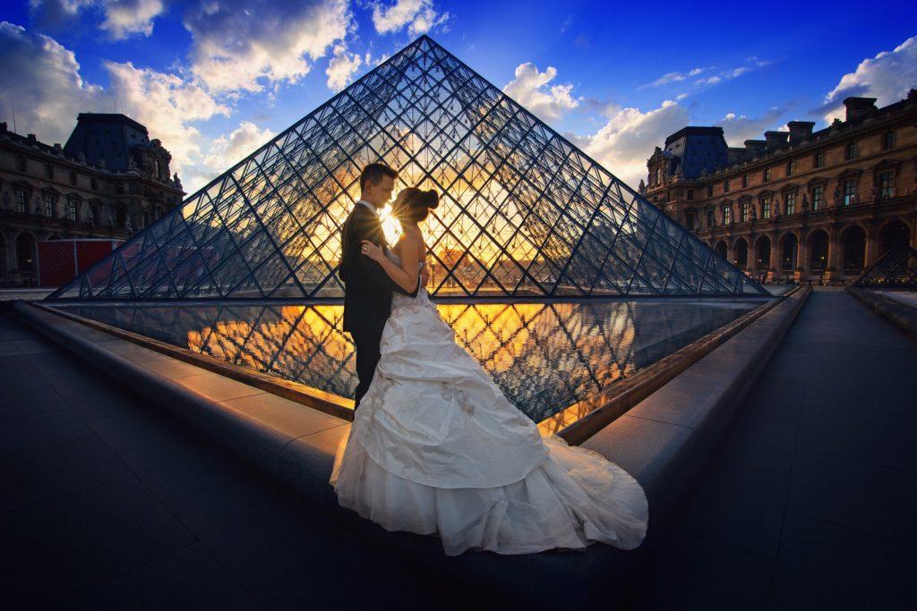 Best honeymoon destinations, just married couple in Paris
